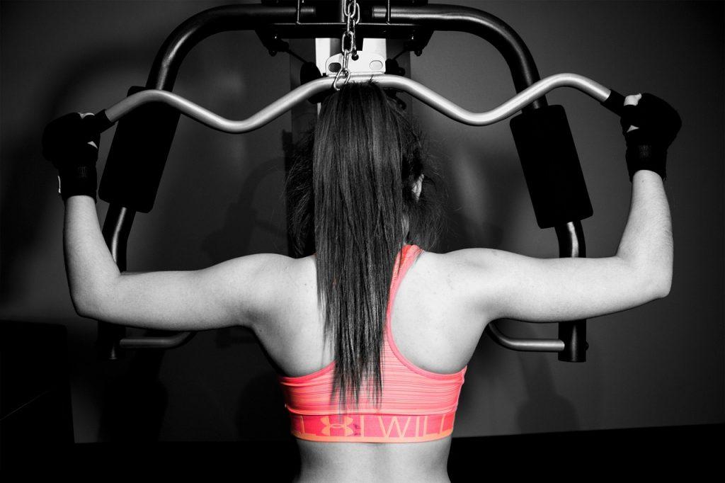 ćwiczenia na ramiona dla kobiet